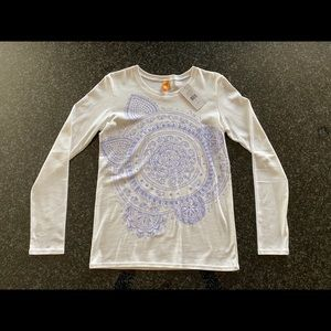 NWT Lucy long sleeved graphic tee